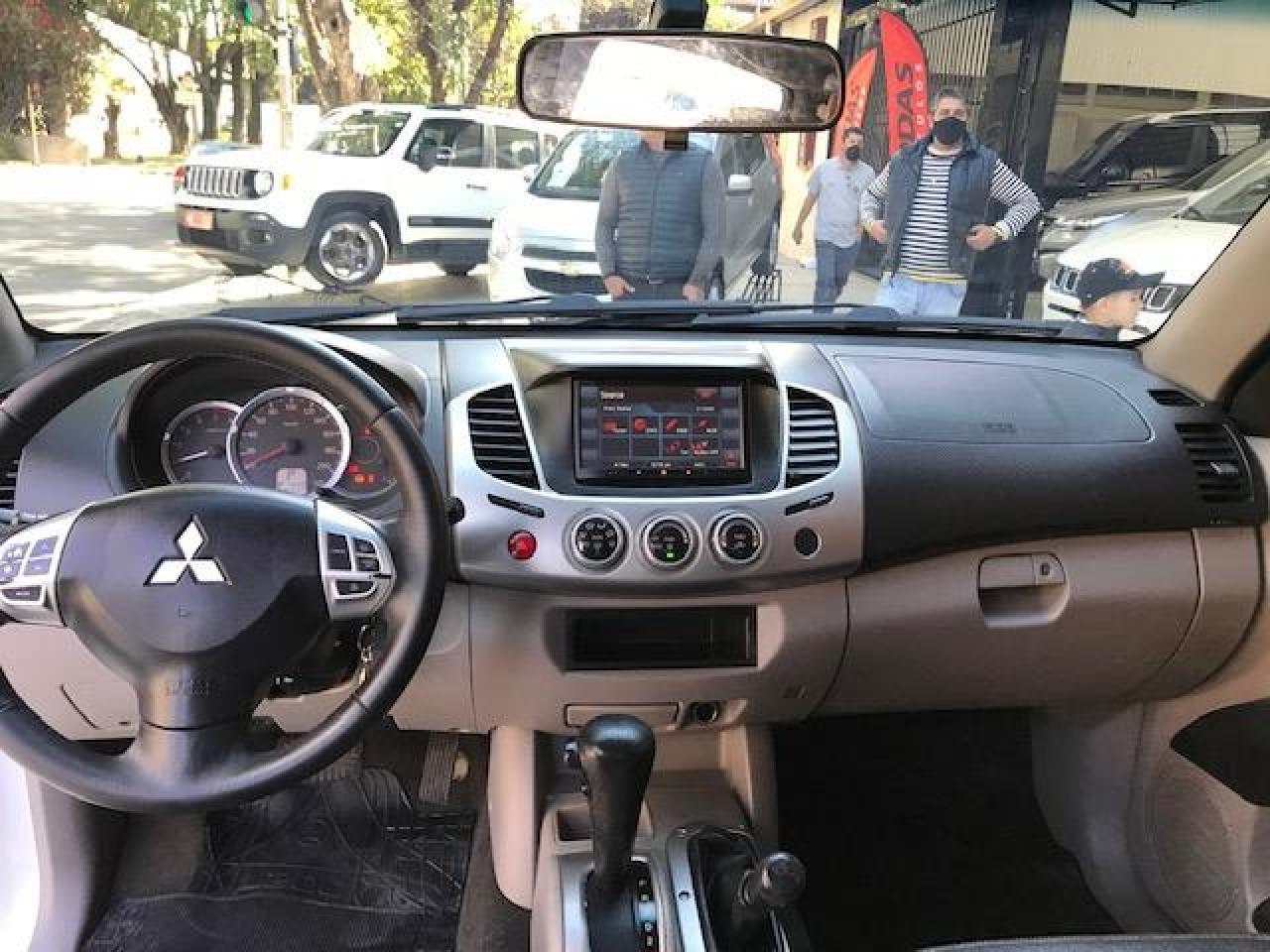 L 200 Triton 3.2 16V HPE 4X4 CABINE DUPLA TURBO DIESEL INTERCOOLER AUTOMÁTICO